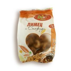 Einkorn and raisin biscuits